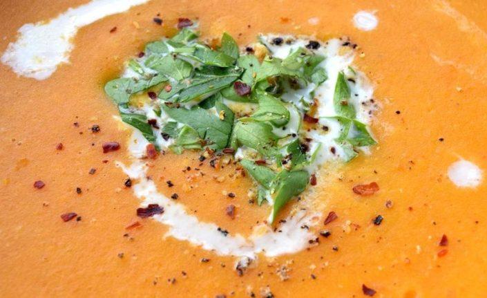 Fotografie jídla, batátová polévka